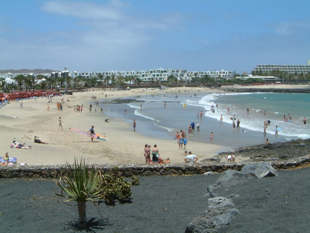 Strand Las Cucharas in Costa Teguise